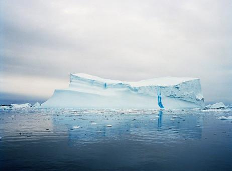 Iceberg II, A4, kuvan koko 18 x 24 cm